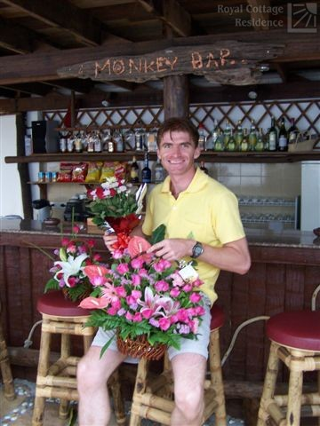 Manager Kamil at Monkey Bar - Welcome!